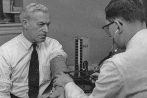 La hipertensión causa la muerte anualmente a 9.4 millones de personas en el mundo y es responsable del 45 por ciento de los ataques de corazón Foto:Getty. Imagen Por:
