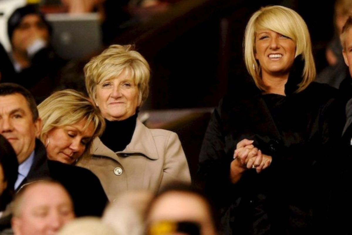 David Beckham no tiene comunicación con toda su familia, pero sí continúa viendo a Joanne, su hermana pequeña con quien ha sido fotografiado en diversos eventos. Joanne es una estilista que trabaja en un prestigioso salón inglés. Foto:Getty. Imagen Por:
