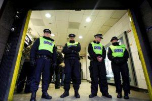 La policía investiga cómo ingresó el sujeto al hotel y cuáles fueron los motivos del crimen Foto:AFP. Imagen Por: