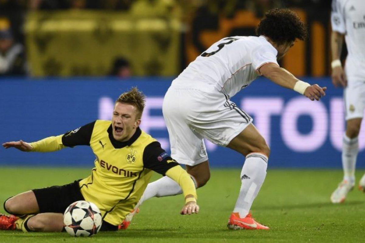 Pepe disputando un balón. Foto:AFP. Imagen Por: