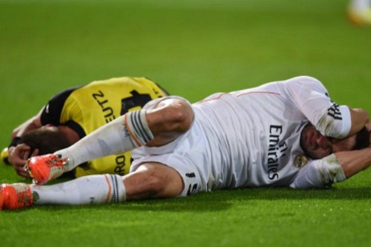 Fue un duelo muy disputado en la media cancha. Foto:AFP. Imagen Por: