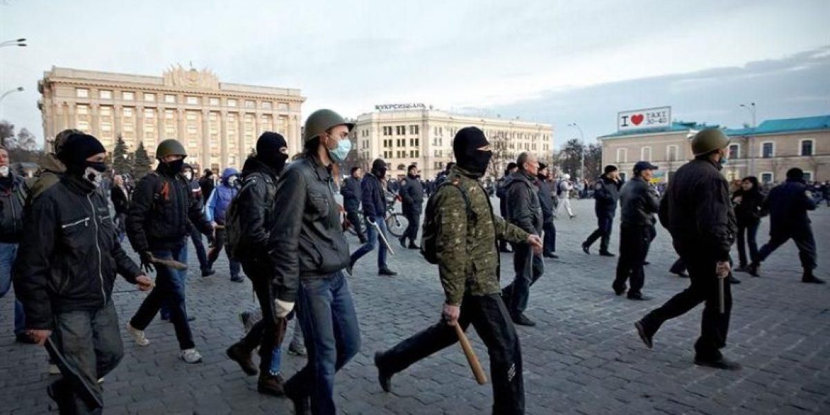 Prorrusos declaran la independencia de la región ucraniana de Donetsk
