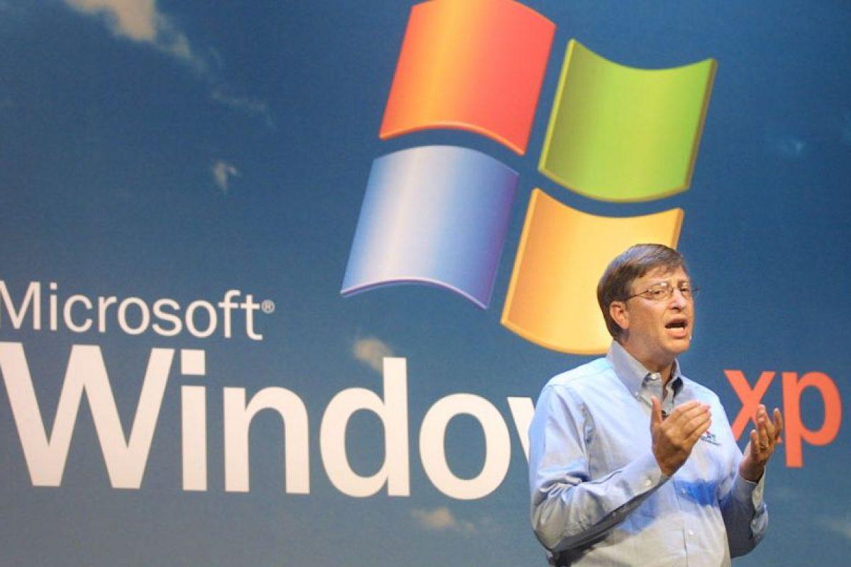 Bill Gates, ex CEO de Microsoft, en un evento de Windows XP. Foto:getty images. Imagen Por: