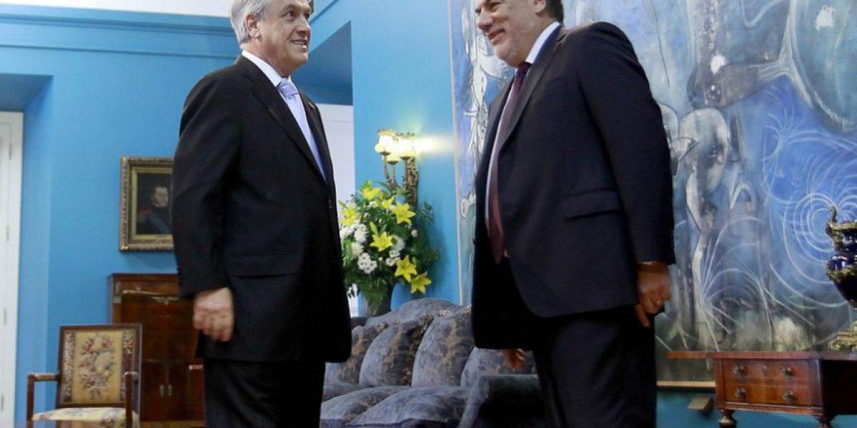 [Tuits] Condenan imitación de Andrade a los tics de Piñera