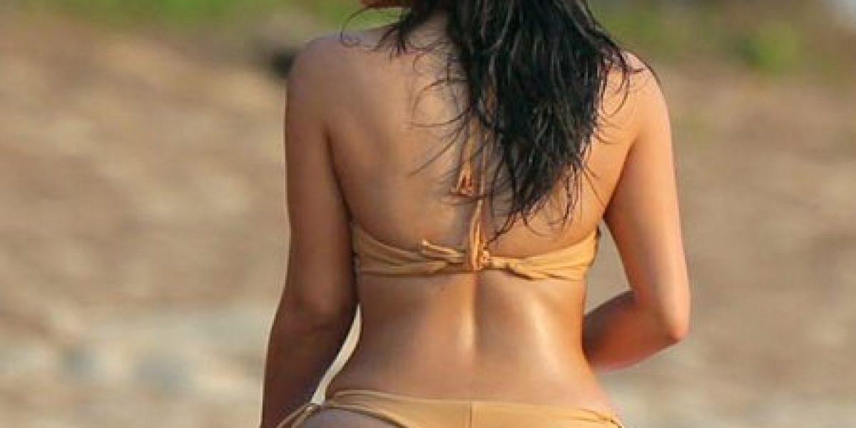 La infartante sesión de fotos de Kim Kardashian en la playa
