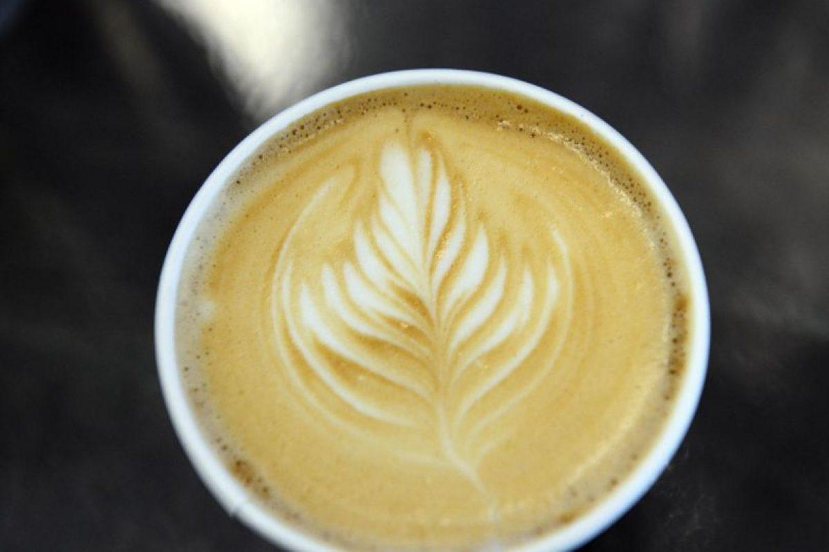 Tomar café. Foto: Getty. Imagen Por: