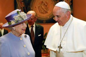 Su encuentro con la Reina Elizabeth II de Inglaterra Foto:AFP. Imagen Por: