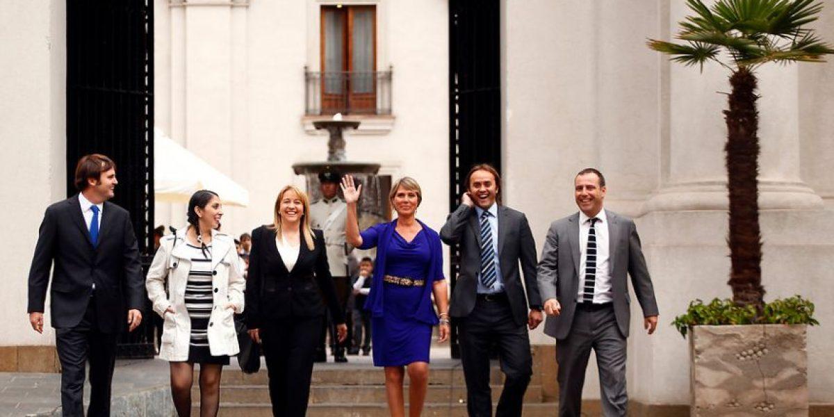 [FOTOS] Lily Pérez y Carlos Larraín se reúnen con Bachelet pero evitan encontrarse