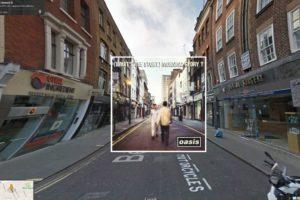 En Google Street View la calle Berwick en el distrito londinense de Soho, portada del What´s the Story Morning Glory de Oasis Foto:Google Stret View-The Guardian. Imagen Por: