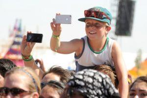Los niños también acuden al festival. Foto:getty images. Imagen Por: