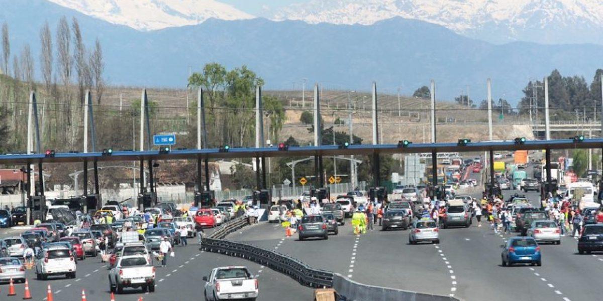 Estiman que 150 mil vehículos capitalinos viajarán al sur en Semana Santa