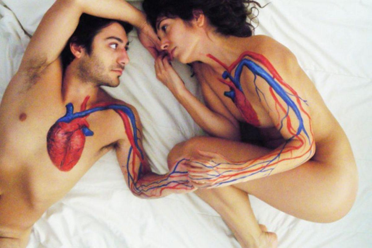 """4.- Lister Rossel, psiquiatra de Clínica Las Condes en Chile, comenta que la seducción """"tiene una partida en la conmoción de encuentros a nivel mental. Foto:Tumblr. Imagen Por:"""