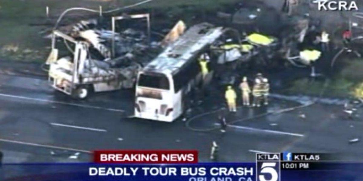 Al menos 10 muertos en un choque entre un autobús escolar y un camión en EEUU