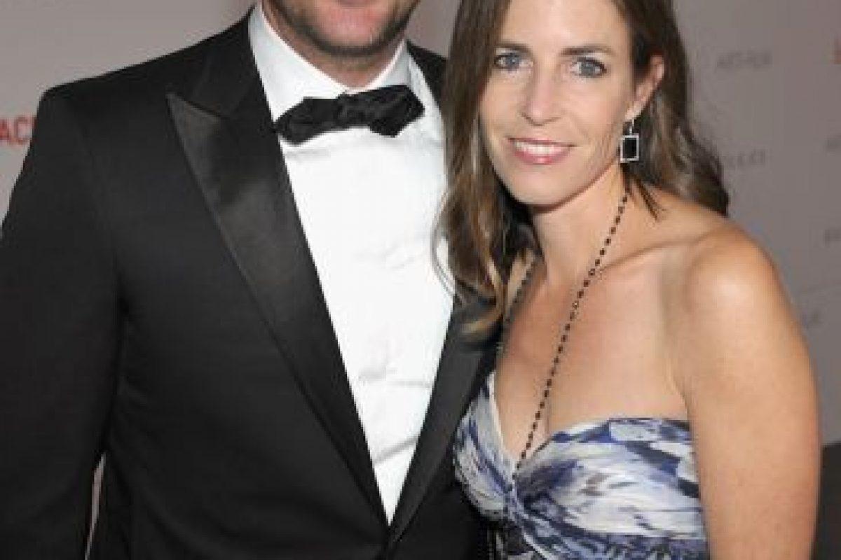Se casó con su novia de secundaria, Caroline Fentress, en 1997. Tienen cinco hijos. Foto:Getty. Imagen Por: