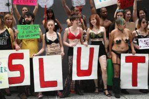 Movimientos como 'Slutwalk' rebaten prejuicios frente a las mujeres, la sexualidad y el vestido .Foto: Getty. Imagen Por: