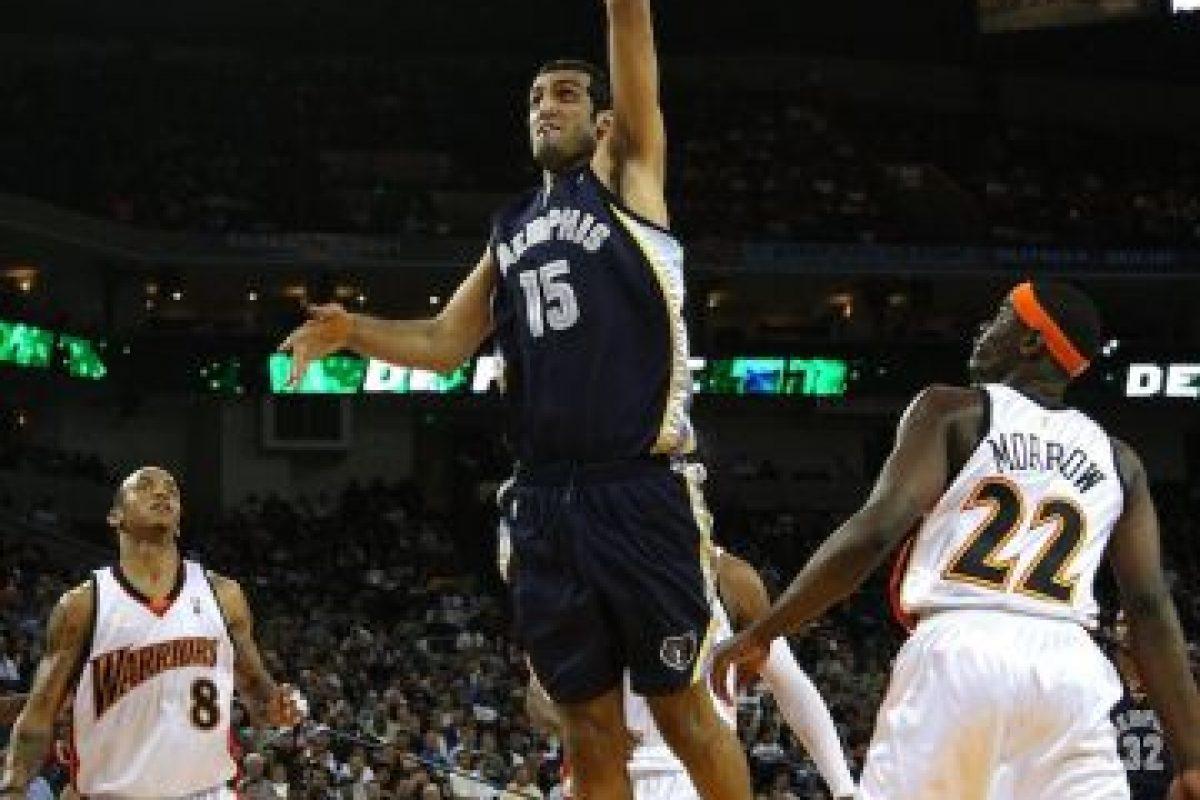 Hamed Haddadi mide 2.18 m Foto:Getty. Imagen Por: