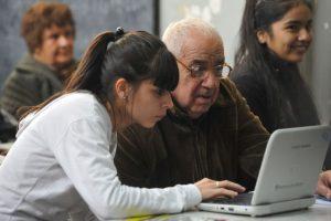 """Los distractores visuales """"minimizan e incluso eliminan el olvido relacionado con la edad"""", mencionaron los investigadores. Foto:Flickr. Imagen Por:"""