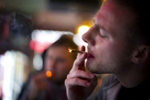 Les dejamos una lista de razones para dejar de fumar: Foto:Getty images. Imagen Por: