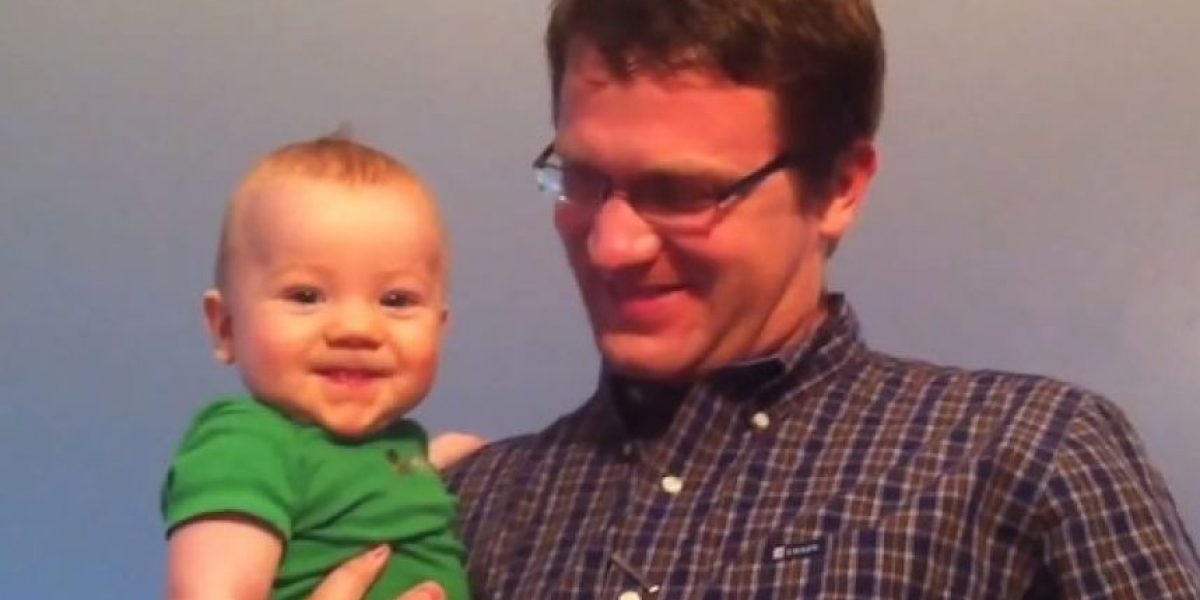 Video: ¡Adorable! Bebés muestran su felicidad al ver a sus papás