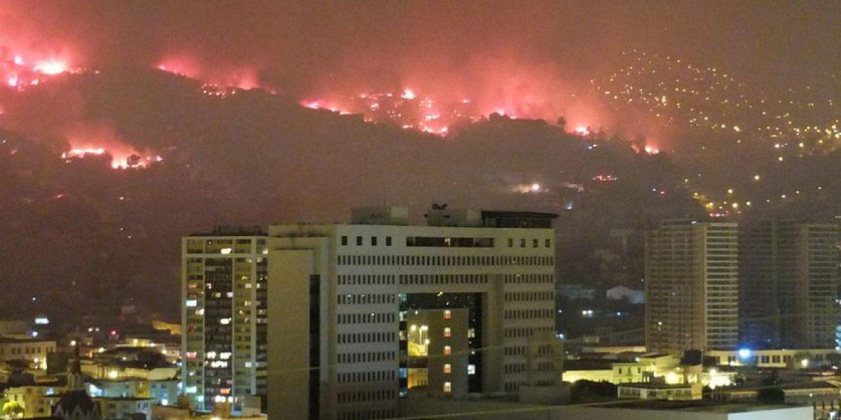 Incendio Valparaíso: 16 personas fallecidas, 10 mil evacuados y más de 500 casas destruidas