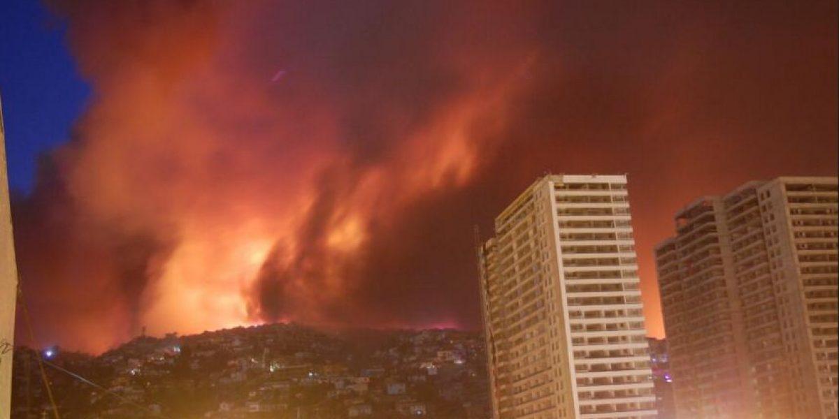 Así se registró el incendio forestal en Valparaíso