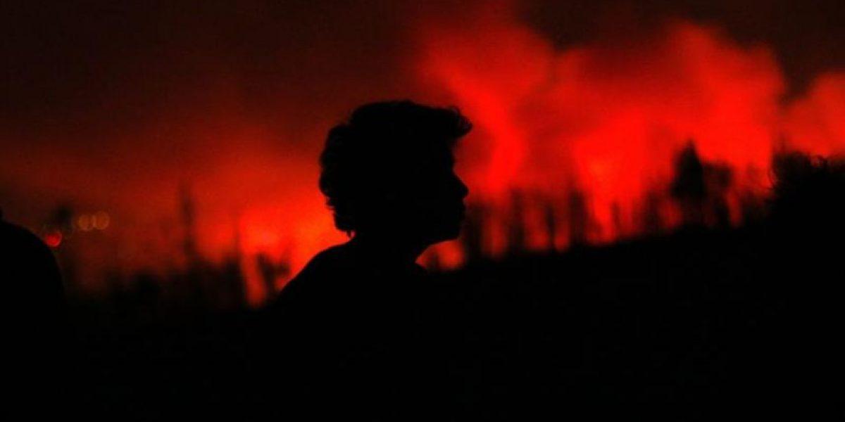 Incendio en Valparaíso: Siguen activos varios focos en los cerros