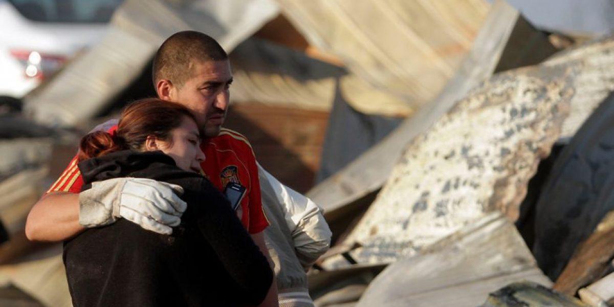 [FOTOS] El dolor de las familias que esta mañana encontraron sus casas quemadas