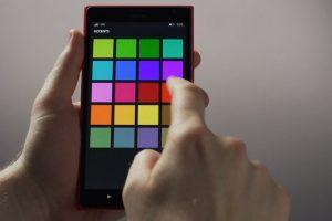 Con Conexión a la nube, pueden cambiar de color el fondo de pantalla de su celular… Foto:Windows Phone. Imagen Por: