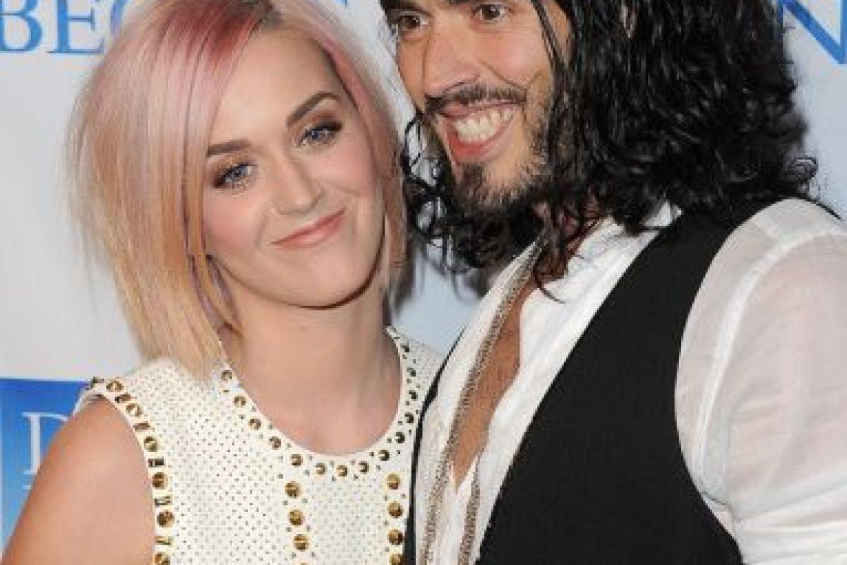Russell Brand. Publicó una foto de su esposa, Katy Perry, sin maquillaje. La pareja ya se ha divorciado. Foto:Getty. Imagen Por: