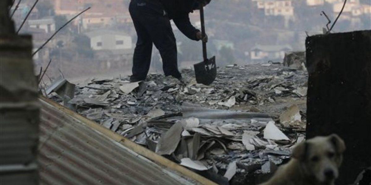 Pareja de ancianos muere abrazada en Valparaíso