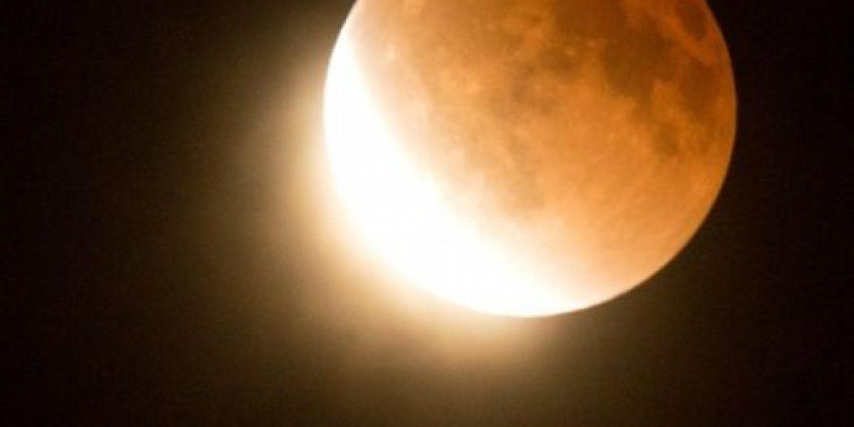Así se vio en el mundo este eclipse lunar según agencia AFP