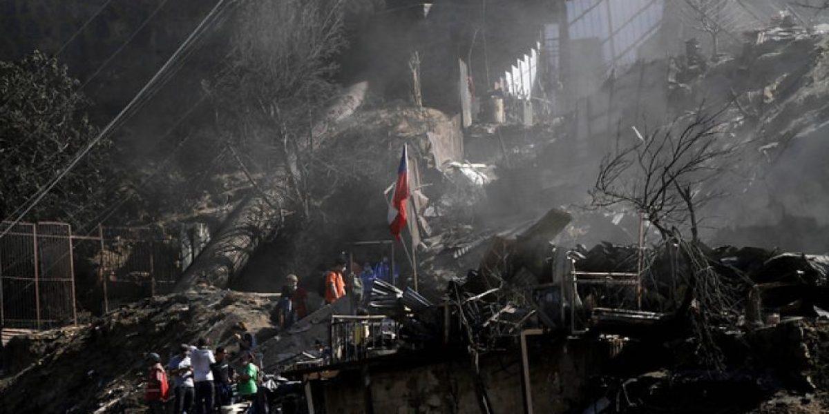 Fotos: Trabajadores del cobre donarán un día de sueldo para la reconstrucción  de Valparaíso