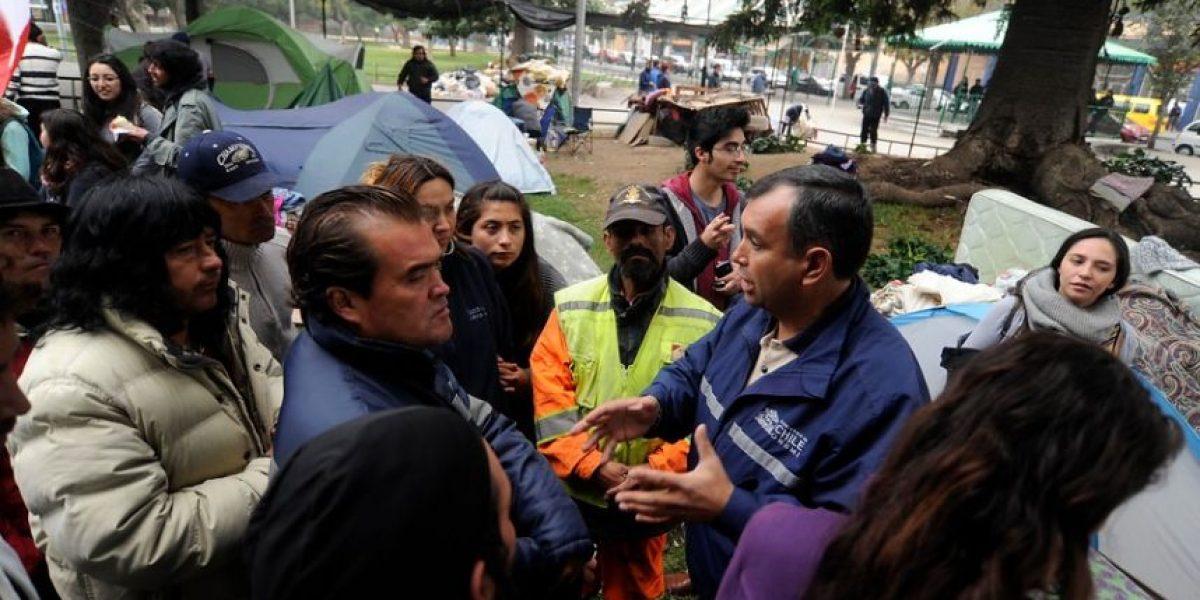 Damnificados tras el incendio se niegan a sacar sus carpas de la Plaza O