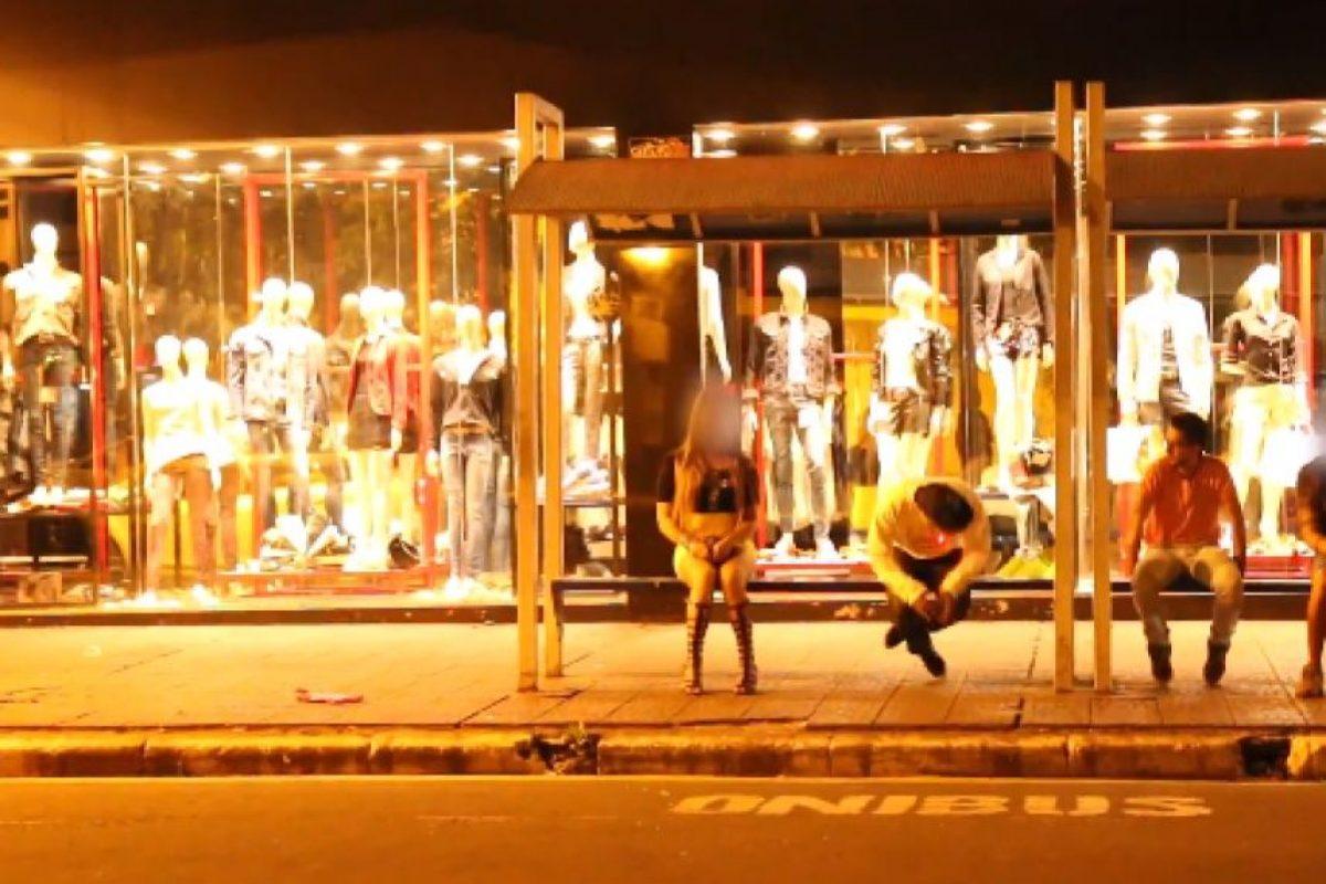 Las actuaciones se ven fingidas pero no impide que la gente corra despavorida Foto:YouTube Canal Boom. Imagen Por: