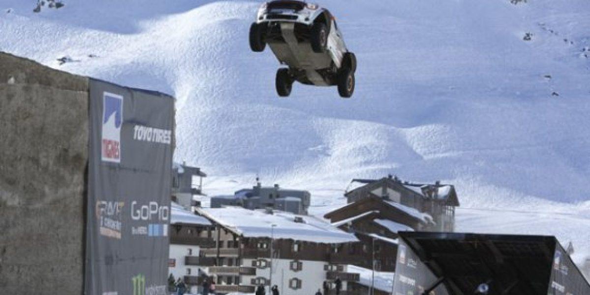 Así terminó el que pretendía ser el salto mundial de longitud en un auto