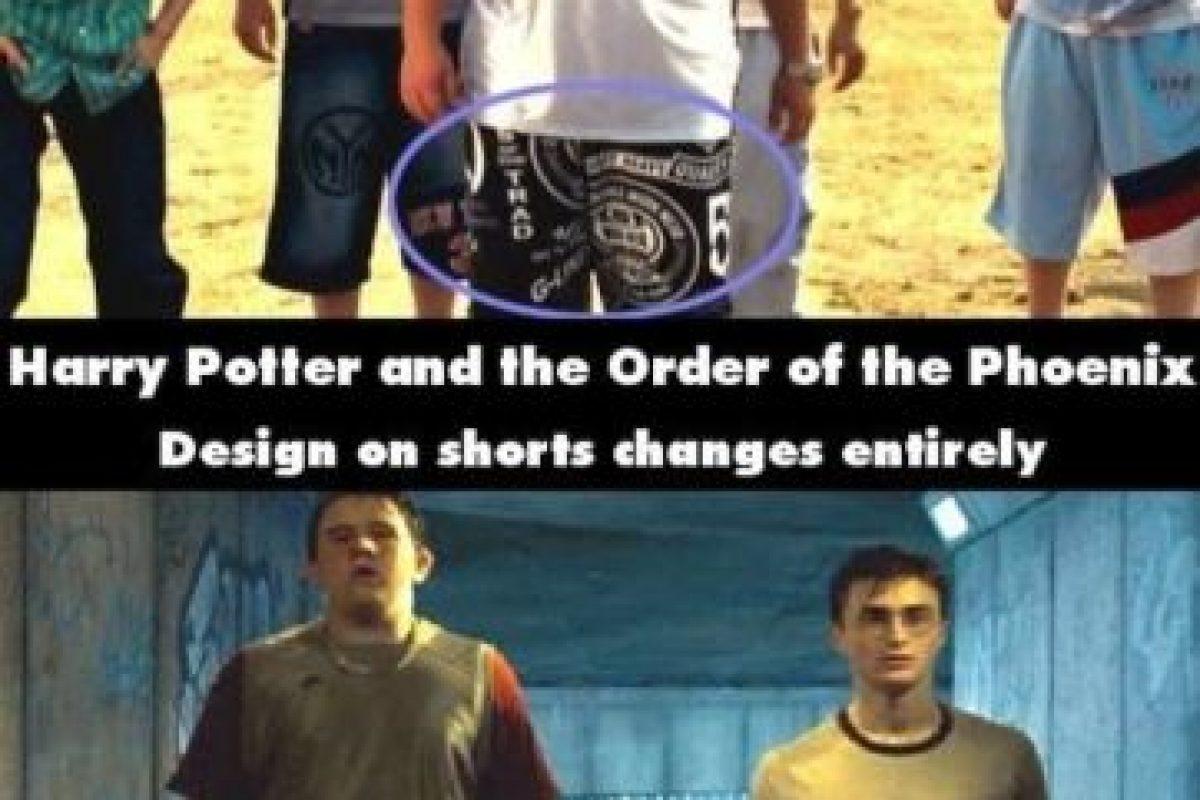¿No eran los mismos pantalones? Foto:Moviemistakes.com. Imagen Por: