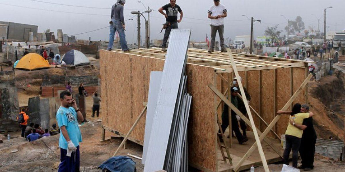 [FOTOS] Valparaíso se levanta y comienza la reconstrucción en zona devastada