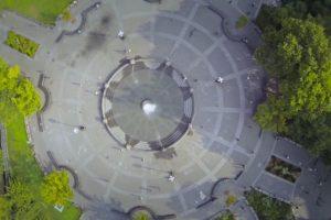 Una fuente dentro de un parque. Foto:Randy Scott Slavin. Imagen Por: