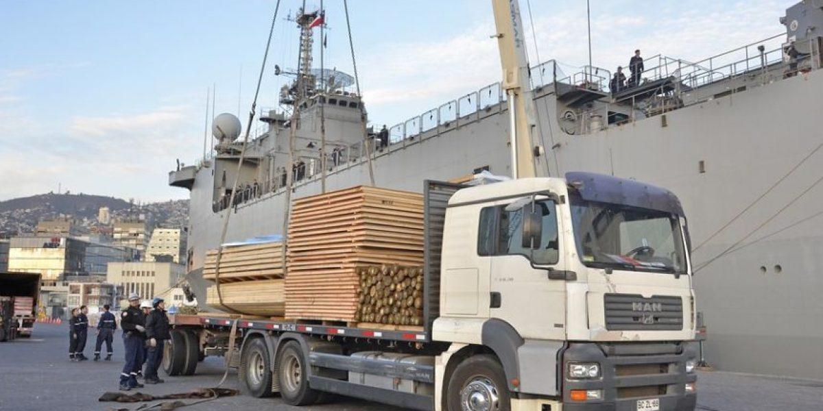 Envían buque de la Armada con ayuda para damnificados por terremoto