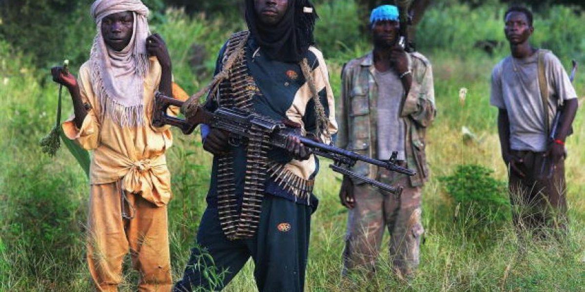 Nigeria busca a más de 100 niñas secuestradas por islamitas