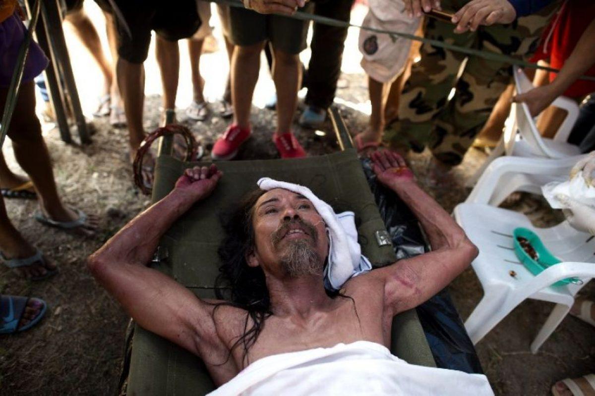 Crucificados en Filipinas Foto:AFP. Imagen Por: