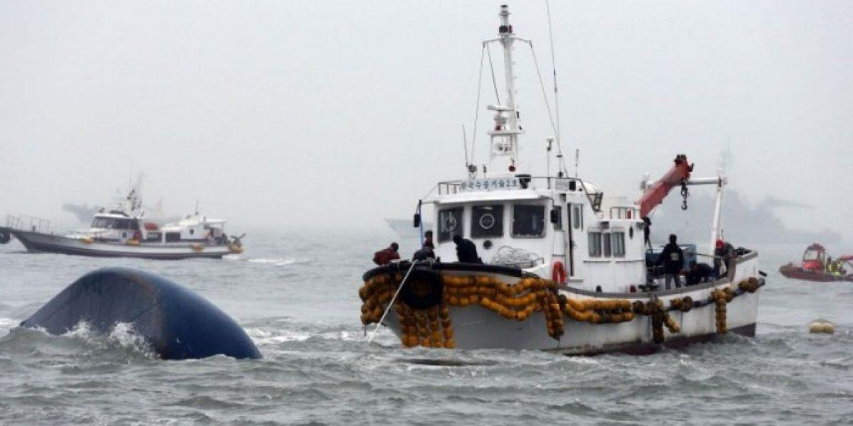 Termina de hundirse ferry en Corea del Sur, aún hay 270 desaparecidos