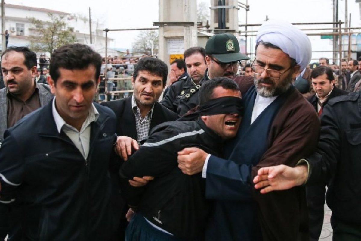 Balal es bajado de la horca tras ser perdonado. Foto:AFP. Imagen Por: