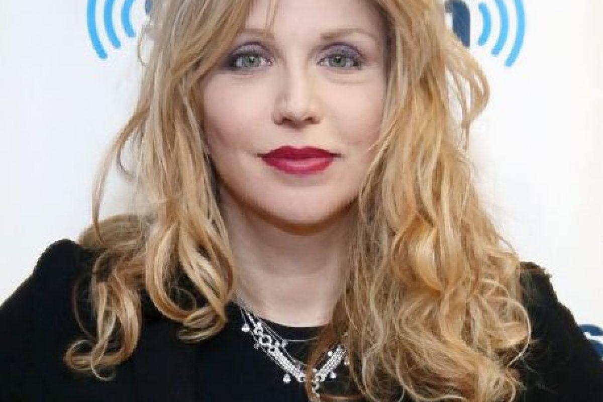 Courtney Love, por sus excesos y el cómo se han reflejado en su rostro, también son motivo de controversia. Foto: Getty. Imagen Por: