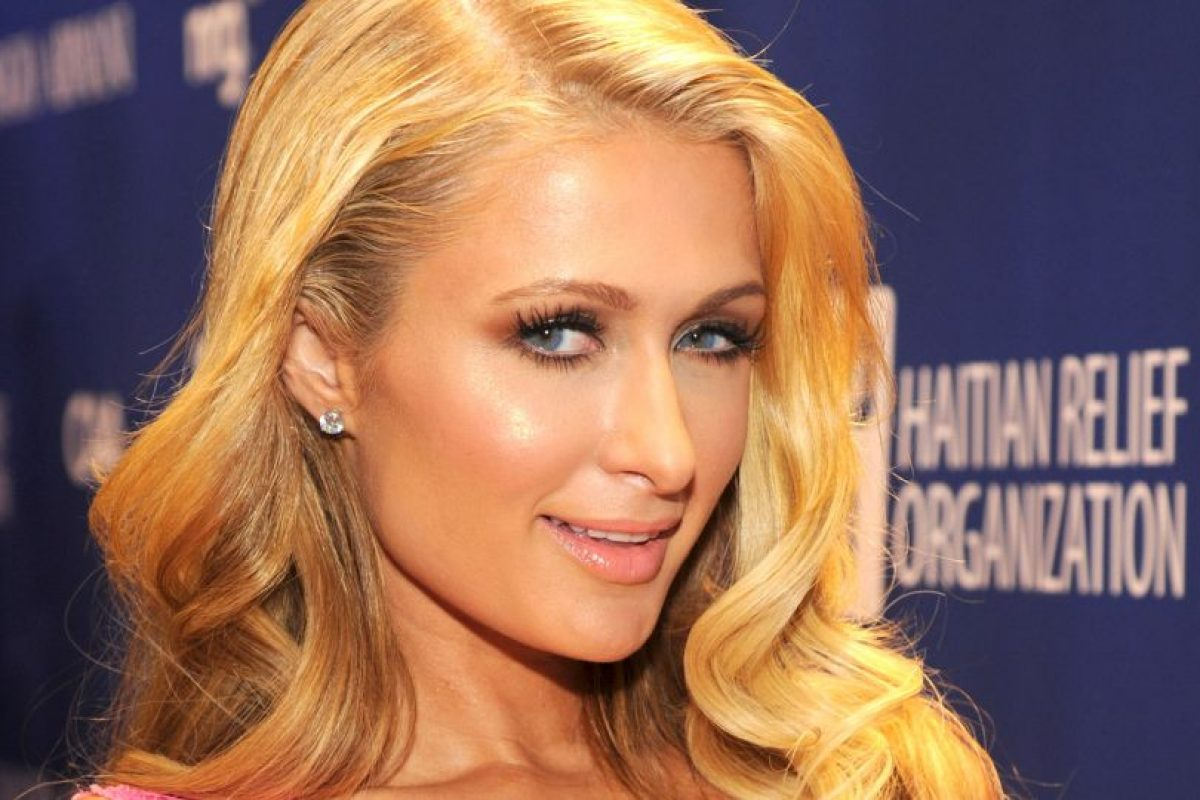 A Paris Hilton le critican la forma de su nariz y el tamaño de sus ojos. FOto: Getty. Imagen Por: