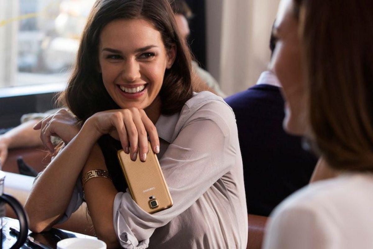 El Samsung Galaxy S5 está disponible en cuatro colores. Foto:Samsung. Imagen Por: