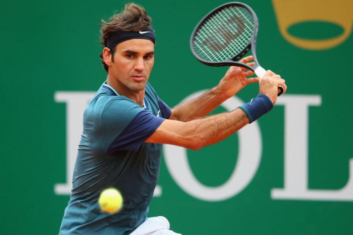 Roger devolviendo la pelota. Foto:getty images. Imagen Por:
