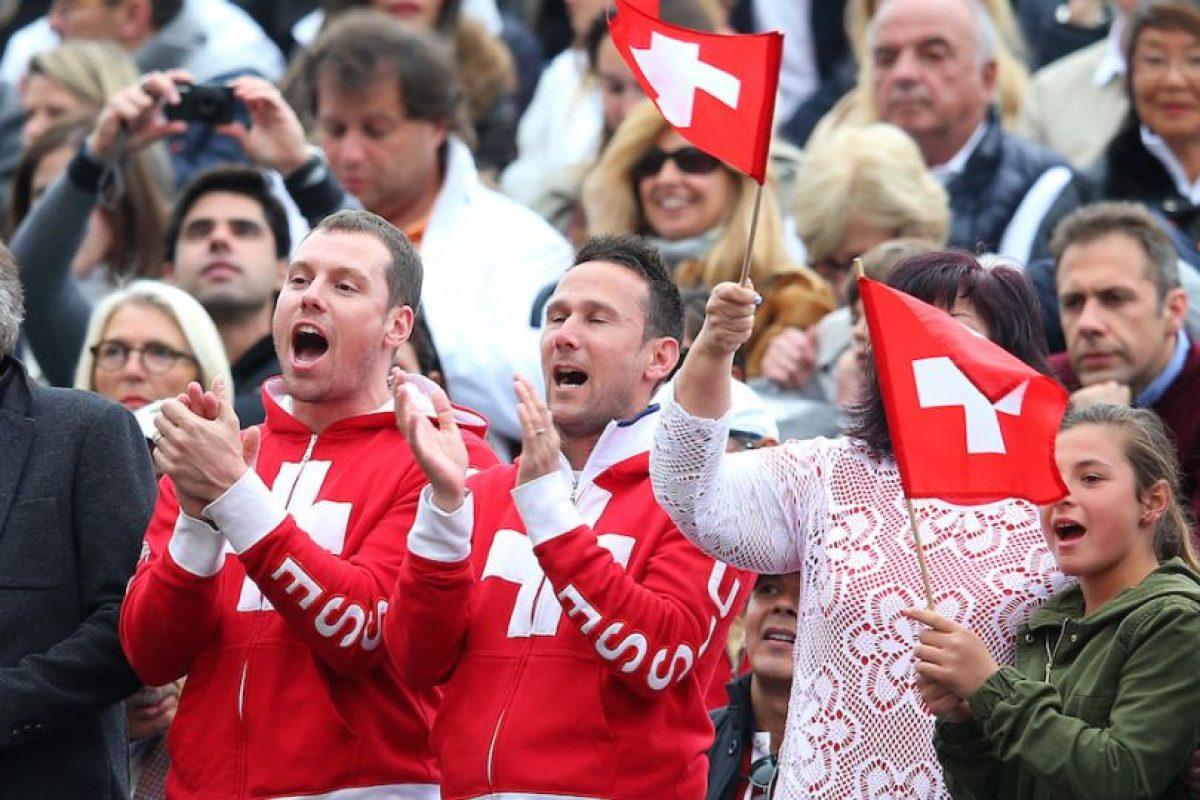 Los suizos apoyando a sus compatriotas. Foto:getty images. Imagen Por: