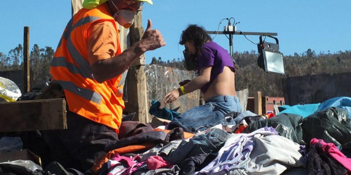 10 camionadas de ropa en mal estado fueron llevadas a vertederos en Valparaíso