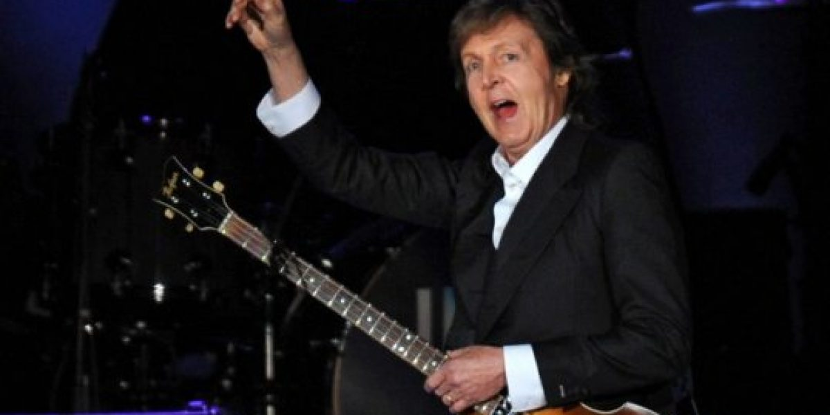 Fanática termina lesionada tras llegada de Paul McCartney a Chile